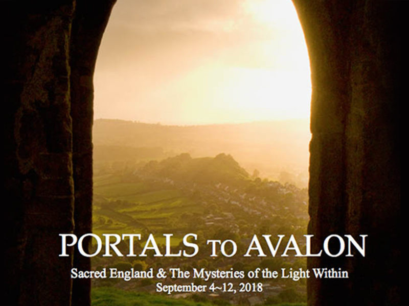 PORTALS TO AVALON : SACRED ENGLAND AND THE MYSTERIES OF THE LIGHT WITHIN